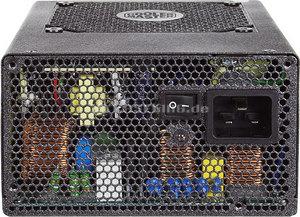 Cooler%20Master%20UCP%20900W.jpg
